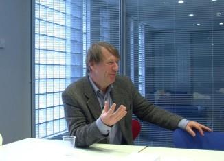 Tim Ingold (rođen 1. studenog 1948) je britanski antropolog na katedri za socijalnu antropologiju na Sveučilištu u Aberdeenu.