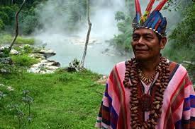 """Šaman iz amazonske džungle koji je pod utjecajem ritualnih droga komunicirao s biljkama koje su mu """"govorile"""" koje se bolesti pomoću njih mogu liječiti."""