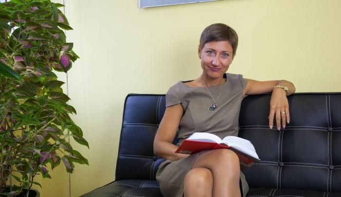 Veganka, magistrica znanosti Vesna Magličić, odvjetnica - voli čitati animalističku literaturu, pogotovo knjige njenog kolege vegana i profesora prava Gary L. Francionea.