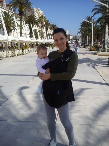 Rina - beba koja je veganka od začeća i njena mama Ivana Surjan Mitrović.
